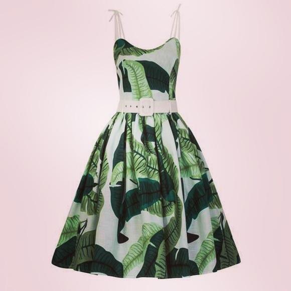 a826ebb67cb ❤️Collectif Mainline Jade Banana Leaf Pinup Dress